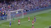 Terry đã phạm lỗi với Falcao ở bàn thắng của Hazard?