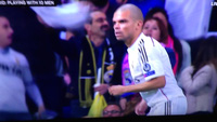 Chicharito rơi lệ sau khi lập chiến công cho Real Madrid