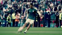 CĐV bật khóc vì hành động đẹp của C.Ronaldo