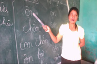 Cô giáo Kadong: Người mẹ đỡ đầu cho học sinh vùng cao