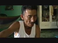 Bé đầu to sớm mất mẹ nương nhờ ông bà ngoại già yếu. (P2)