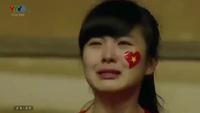 Khoảnh khắc nữ CĐV bật khóc sau thất bại U19 Việt Nam