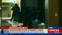 Gay cấn khoảnh khắc cảnh sát Úc nổ súng giải cứu con tin