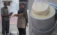 """Thử thách xô gạo """"ăn theo"""" màn dội nước đá gây sốt ở Ấn Độ (P1)"""