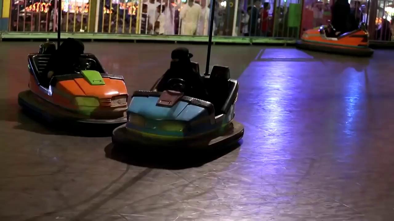Xe điện: Cách duy nhất cho phụ nữ Ả Rập lái ô tô
