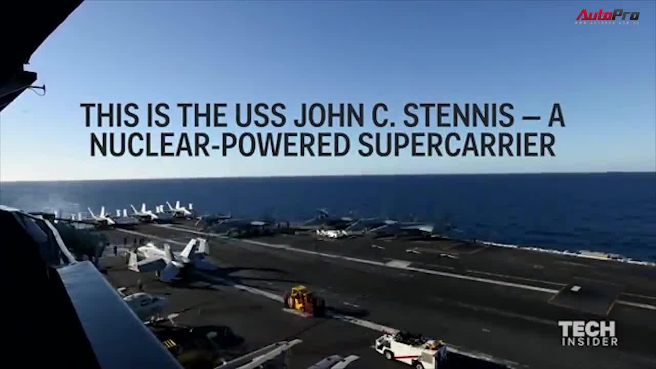 """""""Tua nhanh"""" một ngày trên tàu sân bay của Mỹ"""
