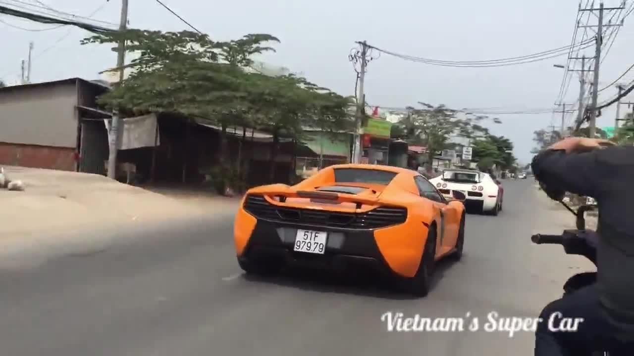 """Xem cảnh dàn siêu xe của Minh """"Nhựa"""" chạy trên đường Sài Gòn"""