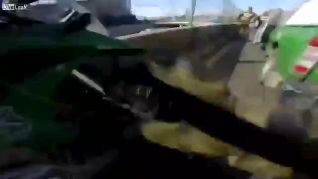 Cảnh sát truy đuổi ô tô chở 3 tên cướp như phim hành động