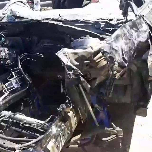 Chiếc Camaro gần như bị vò nát sau tai nạn
