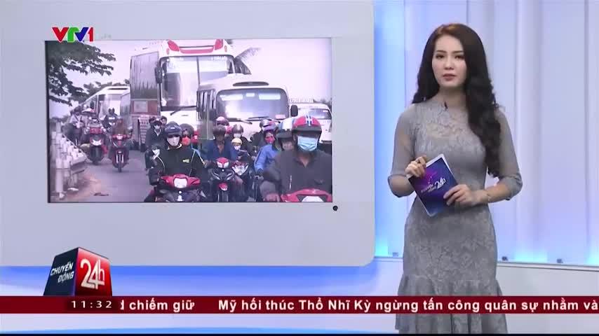 Mùng 7 Tết: Nêm chặt người tại các cửa ngõ vào Hà Nội và TP.HCM