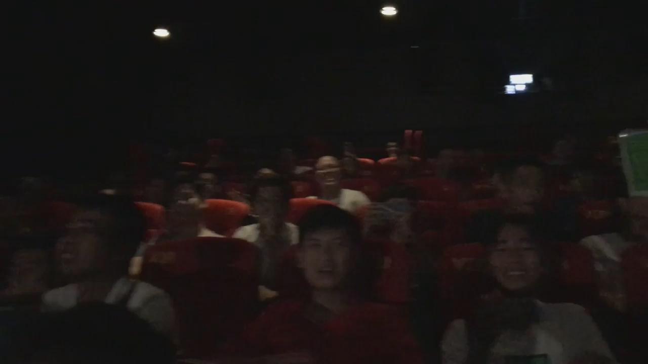 Tận hưởng cảm giác cổ vũ đội tuyển LMHT Việt Nam tại rạp chiếu phim CGV Hà Nội