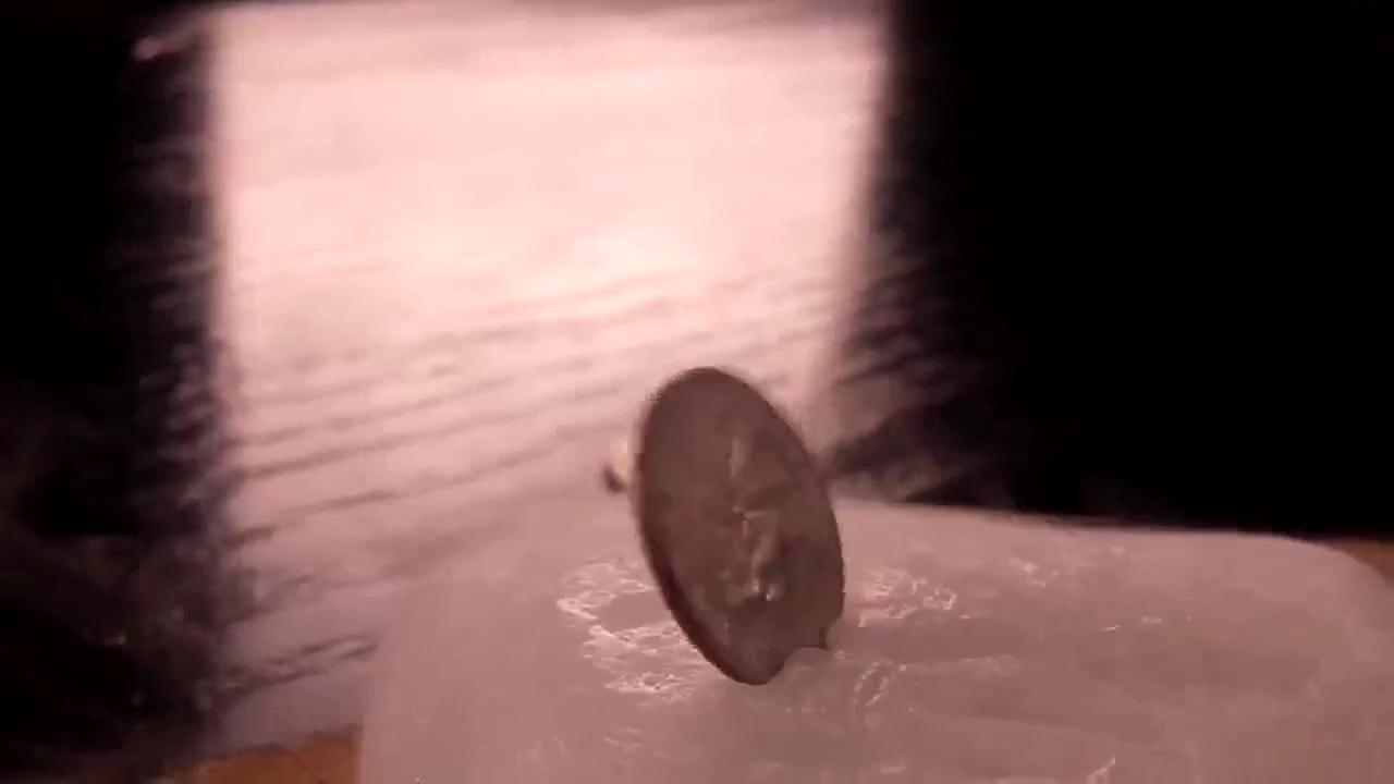 Thí nghiệm vi diệu: đồng xu có ma