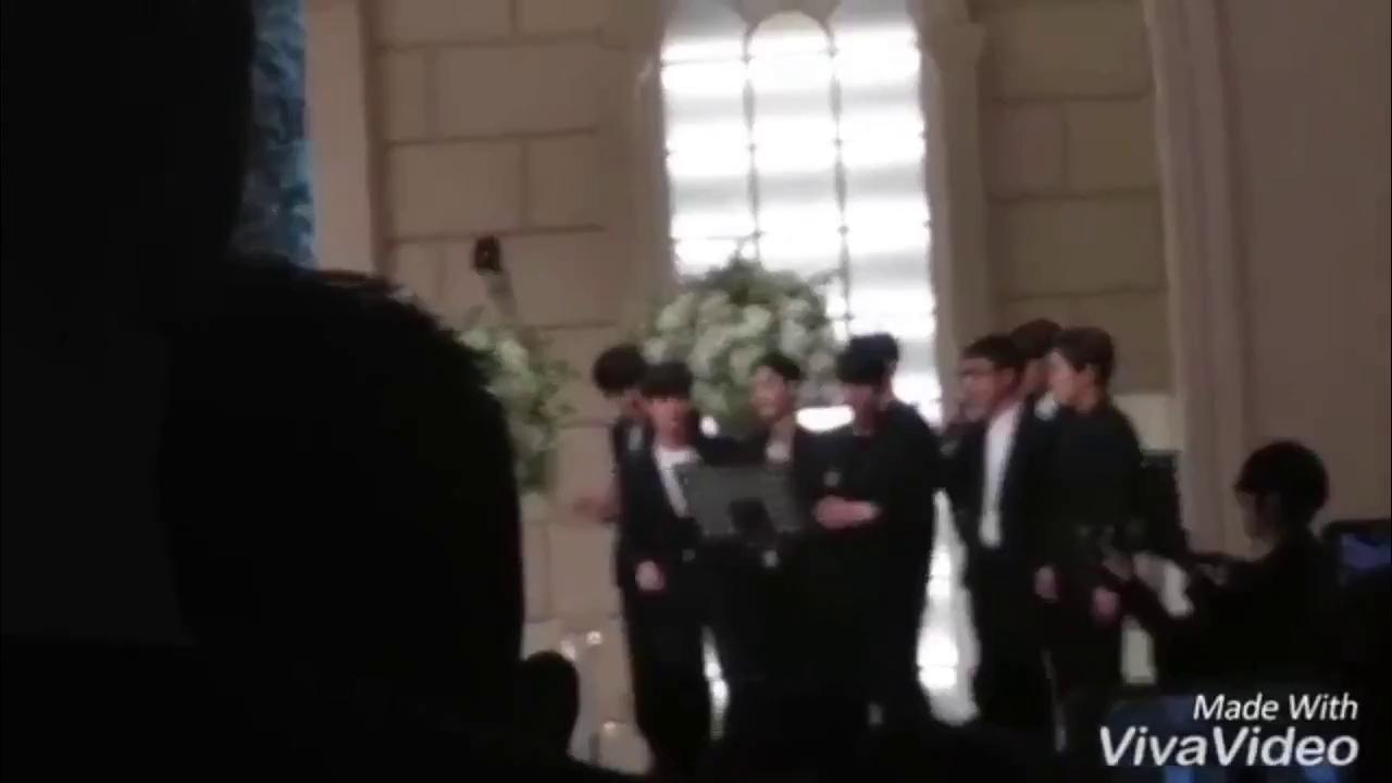"""EXO gửi tặng quản lý Lee Seung Hwan ca khúc """"I Like You"""" trong lễ cưới"""