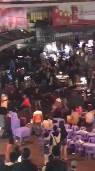Hỗn chiến loạn xạ tranh giành khách tại chợ đêm Đà Lạt