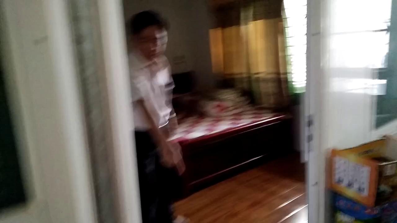 Clip người cha kể giây phút quật ngã tên trộm cứu con gái 6 tuổi