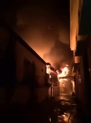 Cháy lớn ở khu công nghiệp, nhiều công ty bị thiêu rụi