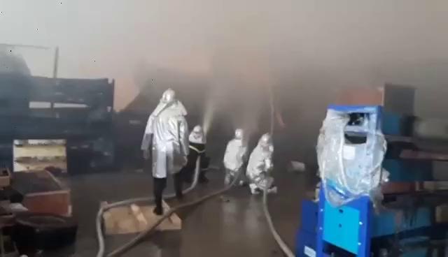 Cháy lớn xưởng gỗ rộng 2.000 m2 trong khu công nghiệp