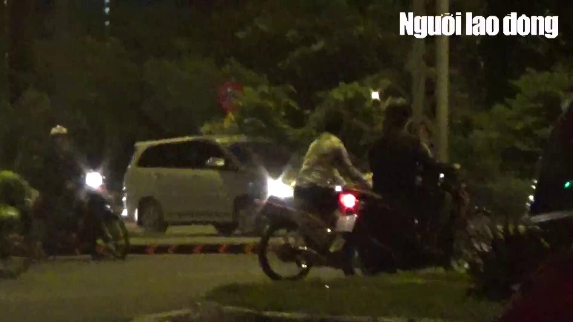 """VIDEO hàng trăm """"xế cọp"""" đua xe đại náo khắp Sài Gòn"""