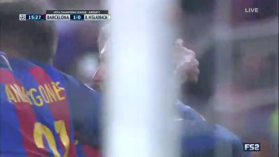 Dội mưa bàn thắng, Arsenal và Barcelona chắc ngôi đầu bảng