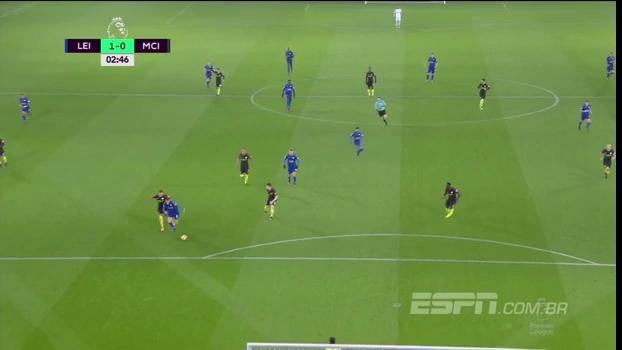 Man City thảm bại trước Leicester, Arsenal lên ngôi đầu bảng