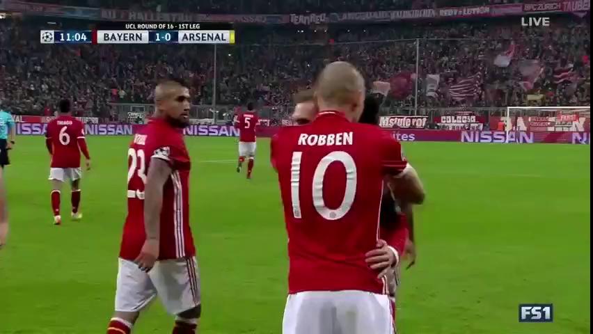 Arsenal đại bại, Bayern Munich thẳng tiến tứ kết Champions League