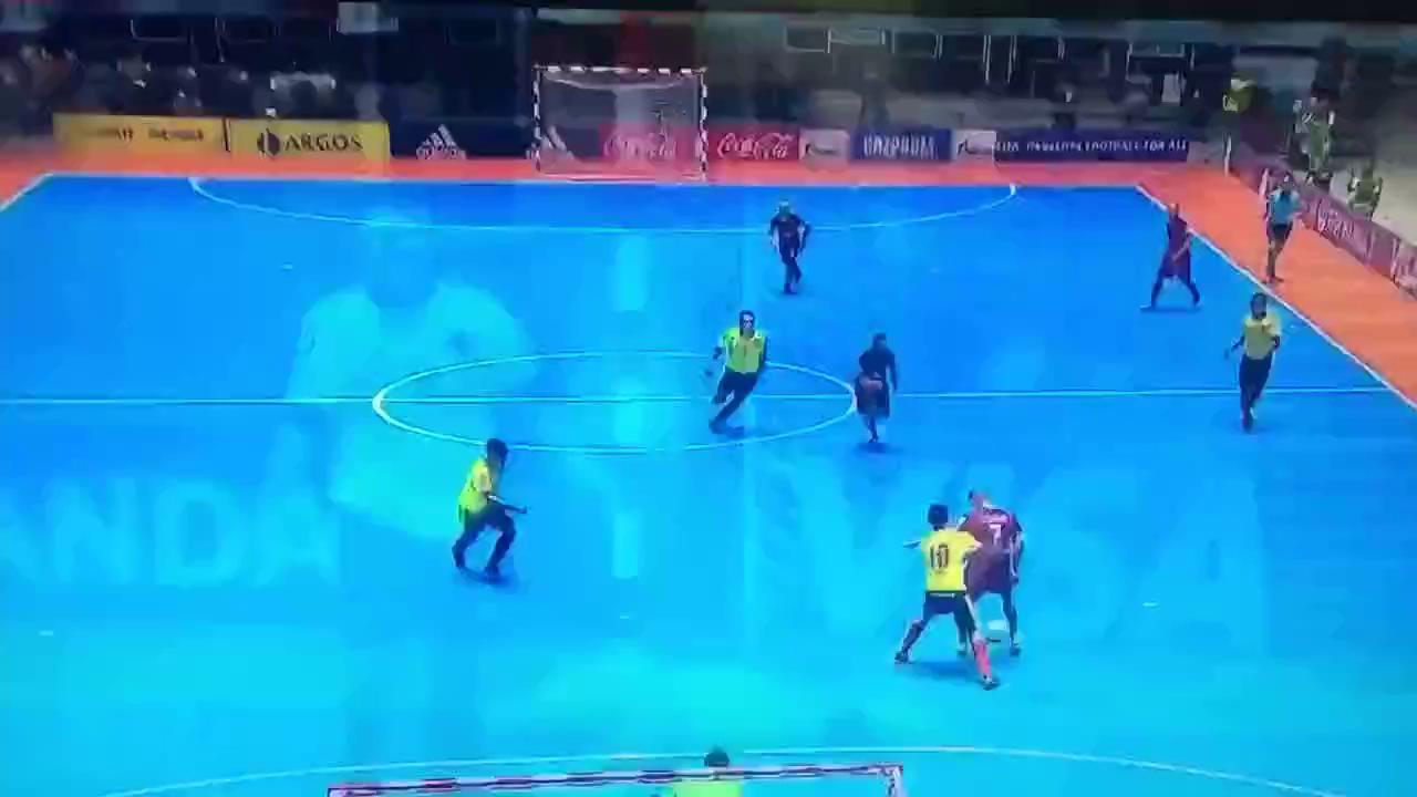 Chuyện khó tin ở World Cup futsal: Bàn thắng vàng ở giây 0:00