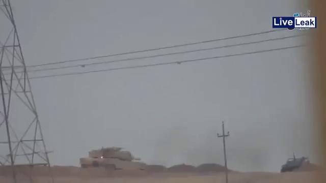 Xe tăng M1 Abrams bị tên lửa chống tăng Kornet bắn cháy