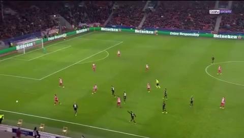 Lượt đi vòng 1/8 Champions League: Leverkusen 2-4 Atletico Madrid