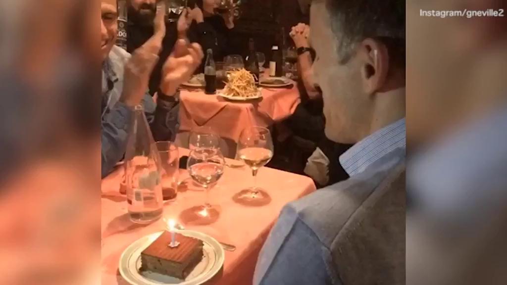 David Beckham chúc mừng sinh nhật Phil Neville.