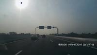 Xe tải liều mạng chạy ngược chiều trên cao tốc