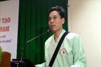 Bệnh nhân ghép tim nhân tạo đầu tiên Việt Nam cảm ơn các bác sĩ BV Trung ương Huế ngày ra viện