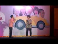 Nghệ sĩ Hồng Vân - Minh ngã nhào trên sân khấu