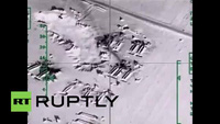 Máy bay Nga xóa sổ các kho chứa dầu của IS