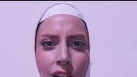 Lady Gaga liên tục thay trang phục trên sân khấu