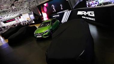 Dàn xe khủng của Mercedes-Benz Việt Nam tại VIMS 2016