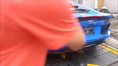 Lamborghini Aventador xanh Lemans đầu tiên Việt Nam