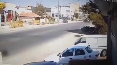 4 chiếc ô tô tránh tai nạn liên hoàn như phim hành động
