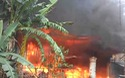 Clip vụ cháy kho hàng tại Quảng Nam