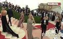 Kate Upton khoe dáng nóng bỏng tại đại tiệc thời trang
