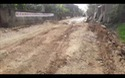 Dân khốn khổ vì xe tải chở đất cày nát đường.