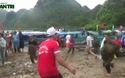 """Hội thi: """"Cá Trắm và đua thuyền sông Son"""" do Trung tâm Du lịch Phong Nha - Kẻ Bàng tổ chức những ngày qua cũng thu hút hàng ngàn người tham dự"""