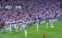 """Pha """"ném bóng"""" vào gôn của C.Ronaldo"""
