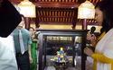 Nghệ nhân Hoàng Anh giới thiệu các loại bánh mứt cung đình Huế