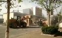 """""""Đại chiến"""" giữa 6 chiếc máy xúc trên đường phố Trung Quốc tạo cảnh tượng như trong film """"Robot đại chiến"""""""