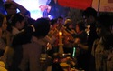 Người dân lên chùa dâng hương ngày lễ Vu Lan