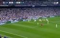 Bale đánh đầu đập cột dọc Man City