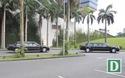 Đoàn xe hộ tống Tổng thống Obama rời khách sạn đi Nội Bài