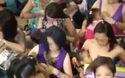 Ngày hội cho con bú cực lớn ở Manila