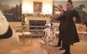 Vợ chồng Tổng thống Mỹ Obama nhảy điệu robot nhân ngày Star Wars