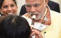 Thủ tướng Ấn Độ thử thổi sáo trong chuyến thăm Nhật Bản